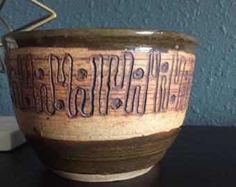Stunning Mid Century Modern Studio Pottery Ceramic