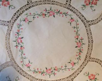 Vintage Shabby Chic Floral Round Table Cloth - Vintage Table Cloth - Wedding Table - Baby Shower Table Cloth - Bridal Shower Table Cloth