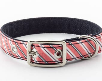 Classic dog collar, medium size // stripes in pink, grey, and white - navy blue lining - traditional metal buckle in silver nickel finish