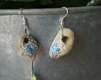Stone flower earring