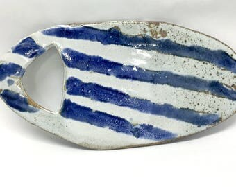 White & blue striped cheese board