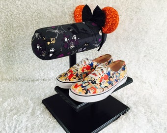 Mouse Ear and Shoe Display- Different Fabrics and Base Colors Available