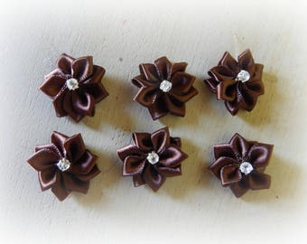 6 appliques 25 mm chocolate satin ribbon flower