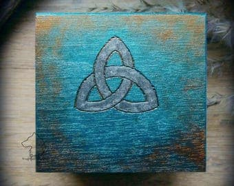 Celtic Triquetra box, Celtic knot chest, Celtic jewelry box, wooden keepsake box with Celtic knot, Triquetra symbol chest, Celtic gift box