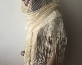 Vintage 90s cream lace floral fringed shawl wrap