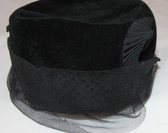 Vintage hat black velvet years of 1930