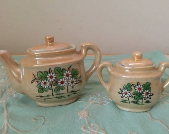 Japanese Daisies: Vintage Miniature Teapot and Bowl Set