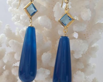 Silver earrings with agate gemstone and crystal drop