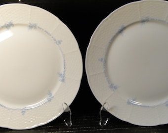 """TWO Thun TK Czechoslovakia Natalie Blue Floral Dinner Plates 9 1/2"""" Set of 2 EXCELLENT!"""