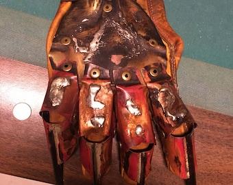 Dream master Freddy Glove