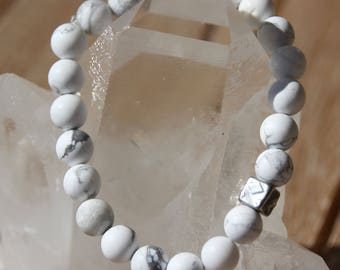 howlite 8 mm Beads Bracelet