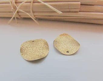 4 charm sequin 15mm wavy charm, glitter gold glitter - 1 mm hole - 498.22