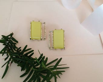 1960s Earrings - Mod Earrings - Mode Earrings - 60s Earrings - 60s Style - Lime Green Earrings - Clip on Earrings - Vintage Earrings