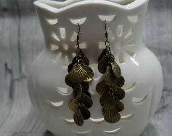 Palm seeds earrings is cut glass