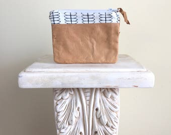 Rustic leather bag, upcycled leather zipper pouch, leather Clutch, Gift for her, tan leather clutch