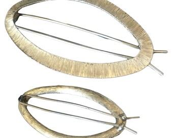 Vintage Oval Gold Tone Metal Barrette