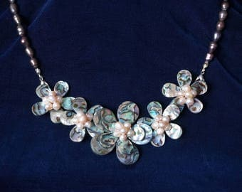 Beautiful Abalone Flower Necklace with 5 flowers and brass pearls