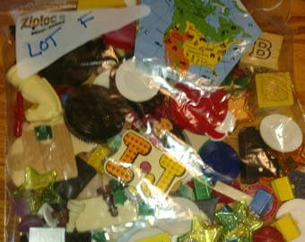 one pound toy game peace token junk drawer Lot F