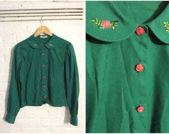 Vintage emerald green shirt blouse top with peter pan collar, flower buttons and embroidery - UK 10 EU 38 US 8 - Preppy Cute Babydoll