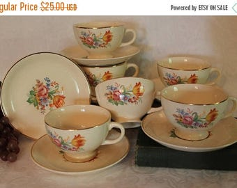 SALE Set of 6 Universal of Cambridge Camwood Ivory Tea Cups and Saucers - UNI100, Cream Background with Flowers