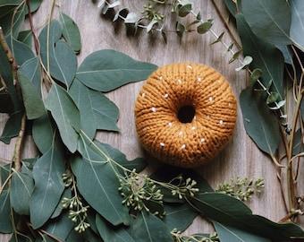 Hand knit donut / Mustard