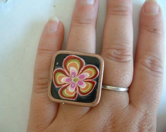 RING FIMO 28 MM FLOWER ON BLACK WITH MICRO BEADS