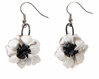 White anemone leather pierced earrings