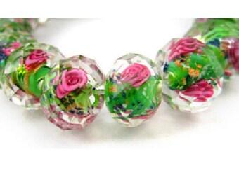 set of 2 beautiful 12 mm x 9 mm /roses green Lampwork beads
