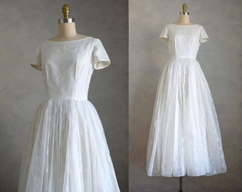 vintage 1950s princess wedding dress | vintage 50s embroidered wedding gown | short sleeve wedding dress | 50s full skirt wedding dress
