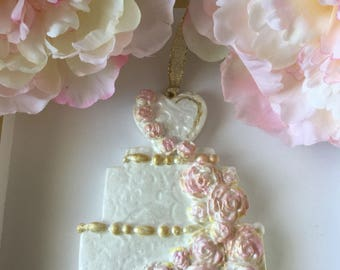 Wedding cake with floral details
