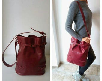 Leather Shoulder bag- leather bucket purse from buffalo in a bordeaux color