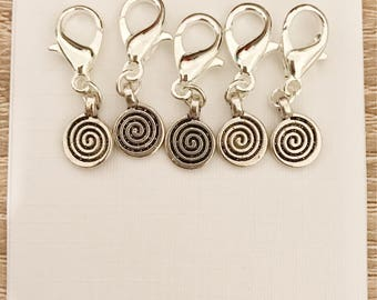Circle of life Tibetan Silver crochet or knitting locking stitch markers / progress keeper / zipper pulls
