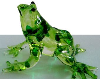 Fabulous glass figurine - frog