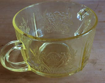 Antique US glass Primo pattern yellow sugar dish Depression glass 1930