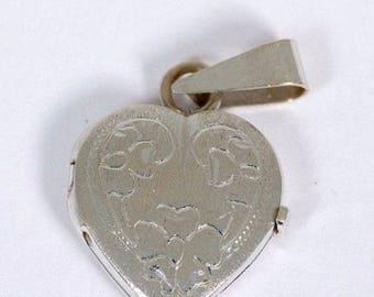 14K White Gold Heart Shaped Locket