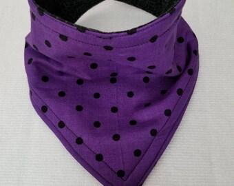 Bandana baby bib. Reversible Bib. Purple poca dots.
