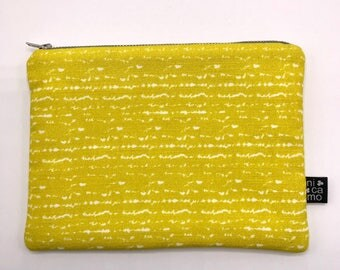 Medium pouch with yellow abstract Nicamo print