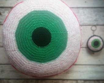 Crochet cushion / crochet / cushion / round cushion / eyeball / horror / gory / gothic / creepy / geeky / green / zombie / round