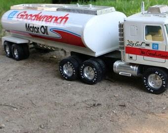 Nylint Big Earl Mr Goodwrench- Motor Oil Tanker Transport Pressed Steel