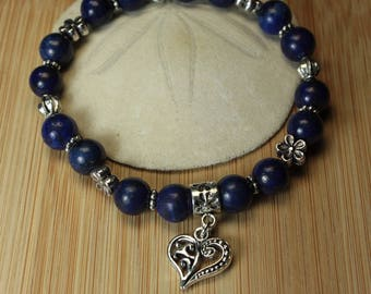 Bracelet lapis lazuli with antique silver metal heart charm