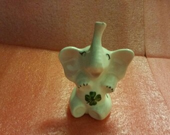 Ceramic lucky elephant ring holder