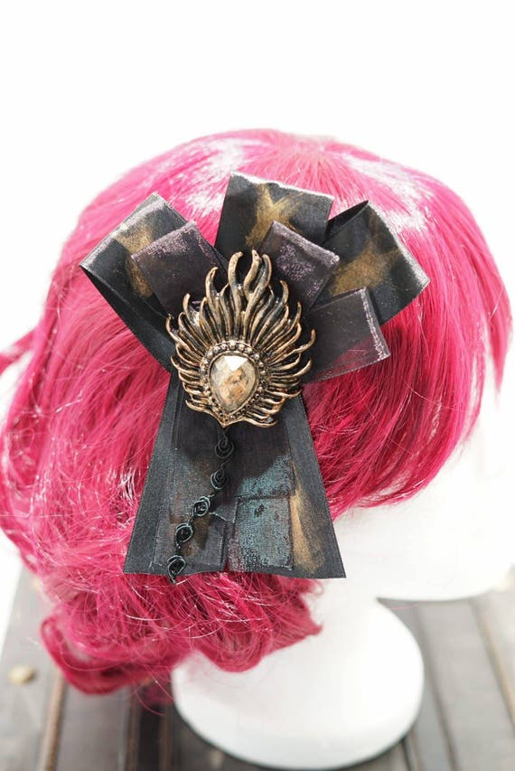 Gothic cabochon bronze gold & black bow hairpin brooch / gold black loop with resin cameo hair clip and brooch