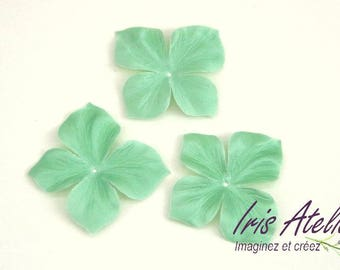 Silk satin flower unit almond Green