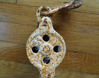 Small metal pulley - Little pulley Block & Tackle Pulley - Vintage metal pulley - Anchor pulley - Nautical decor - Old metal pulley - Rustic