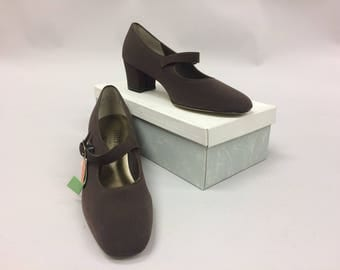 1990s Brown Block Heel Mary Jane's Size 10 | Fabric | 2 1/4 Heel | Made in USA | Easy Flex | NWT | Unworn