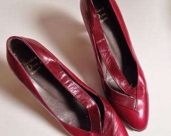 1980s Christian Dior burgundy leather new wave court shoe. Size UK 5.5/small 6 Euro 38/39 US 8