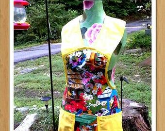 Beautiful bird lovers apron.