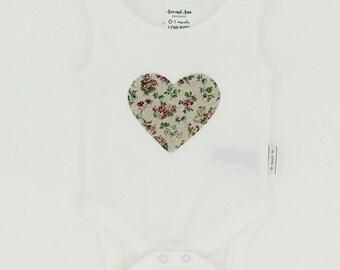 Appliqué onesie - heart design