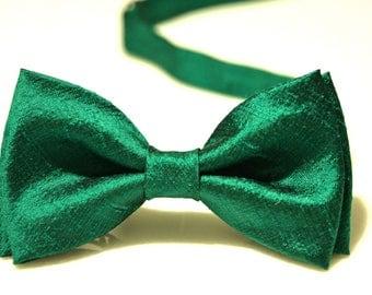 Bow Tie, Green Bow Tie, Wedding Bow Tie, Bow Tie for Men, Gift for Men, Gift for Dad, 100% Silk Gift for Husband, Silk Bow Tie, Tie