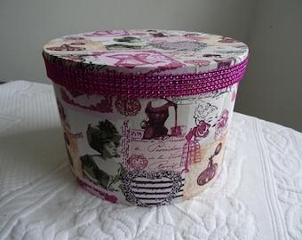 "round box fabric ""Soaps SUPERFINS"""